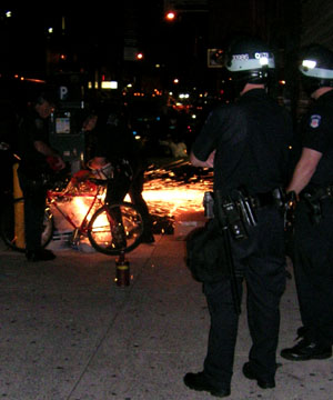 Police cutting bike locks, Sep. 24, 2004. Video by Rebecca Bray.