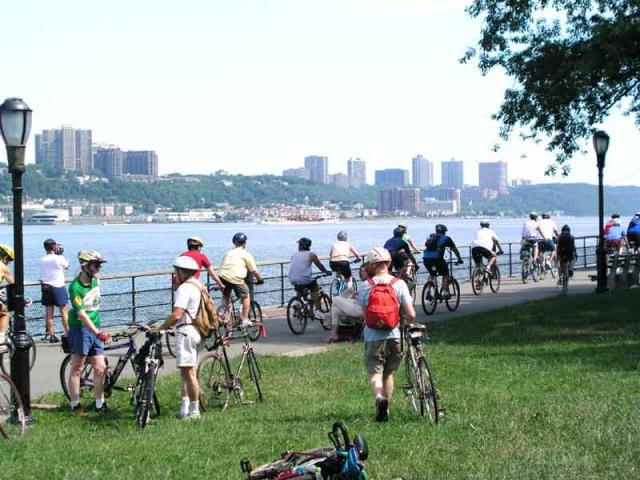 2003 Missing Link Along the Hudson Ride - photo by Nancy Asquith