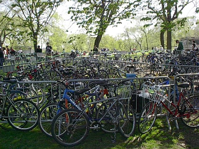 Valet bike parking, Earth Day 2004. Photo by Jym Dyer.