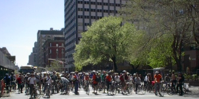 Group ride on Earth Day, 2004. Photo by Jym Dyer.