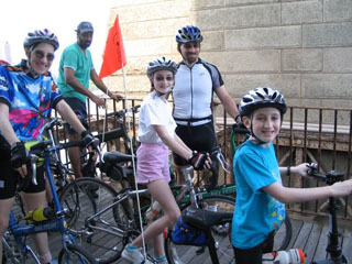 Family on their folding bikes on Time's Up! Fold's Up! Ride - photo by Barbara Ross