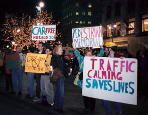 12/2001 Memorial for 6 pedestrians killed by a van in Herald Square
